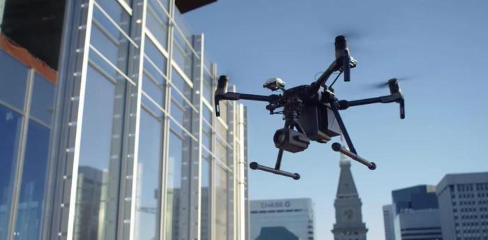 科技造物者|万博体育app苹果救援无人机,续写传奇
