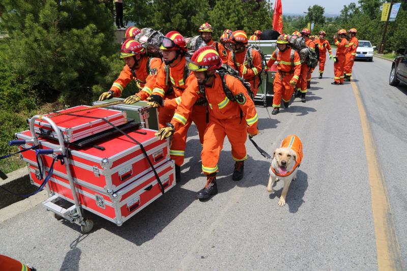 消防拉动演练